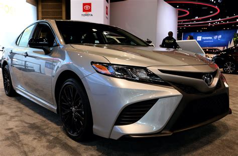 The 2020 Toyota Camry Hybrid Is Unjustifiably More ...