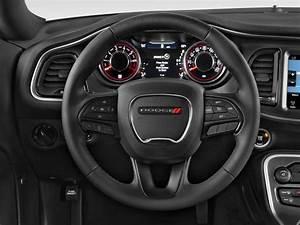 Image: 2015 Dodge Challenger 2-door Coupe SXT Steering