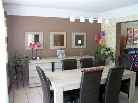 décoration salle à manger couleur taupe