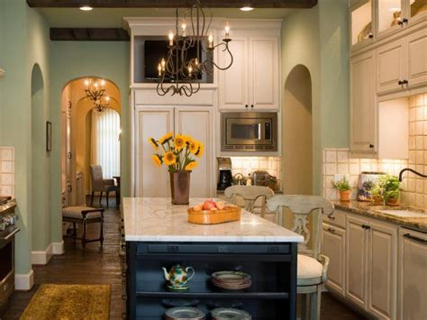 10 beautiful kitchens with green walls 563 Elegant Green Kitchen 750x563