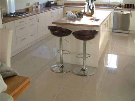 polished kitchen floor tiles porcelanato para piso da cozinha decorando casas 4304