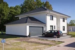 Stadtvilla Mit Garage : bildergebnis f r walmdach carport preis walmdach haus ~ A.2002-acura-tl-radio.info Haus und Dekorationen