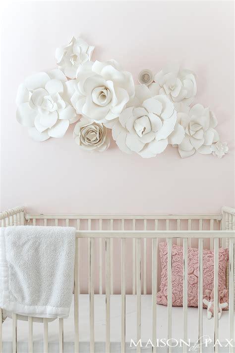 Wandgestaltung Kinderzimmer Blumen by Paper Flower Wall In The Nursery Maison De Pax