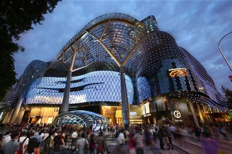 ion orchard shopping  orchard singapore
