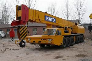 Kato Mobile Crane