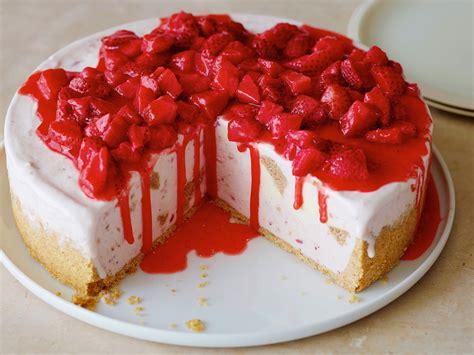 strawberry cheesecake cake bw2d04 frozen strawberry cheesecake s4x3 jpg