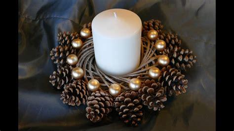 kranz aus kiefernzapfen basteln anleitung weihnachtsdeko decoration kranz basteln aus naturmaterialien einfach
