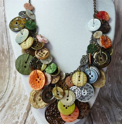 easy diy buttons jewelry projects making jewelry