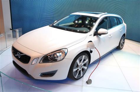 volvo   launch cars  electric motors
