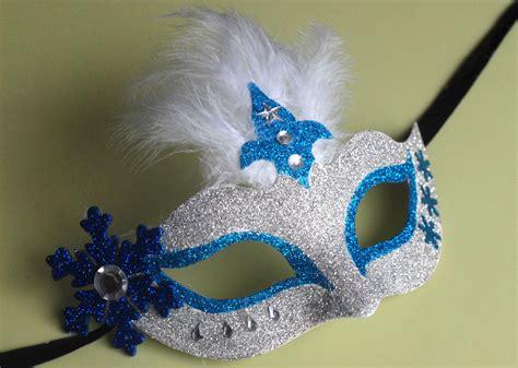 decorer un masque de carnaval le masque du carnaval jouonsensemble