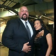 WWE legend The Big Show (Paul Wight) and his wife Bess ...