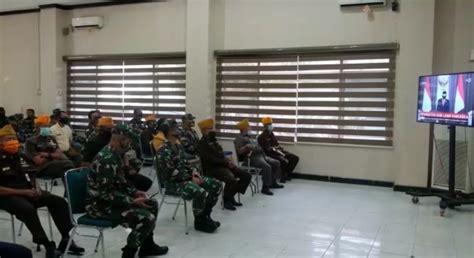 Junior roberts, hanggini purinda retto, roy sungkono and others. Peringati Hari Pancasila, Dandim 0201/BS Berbagi dan Nonton Film G30/S PKI Bersama Veteran ...