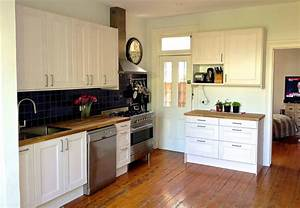 Interior fascinating small kitchen decorating ideas using for Fascinating small kitchen cabinet