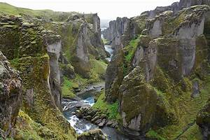 Fjaðrárgljúfur canyon Iceland - FeedPuzzle