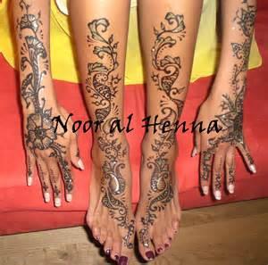 henne mariage henné mariage et paillettes dorées noor al henna