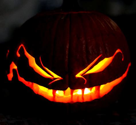 scary pumpkin carving 60 best cool creative scary pumpkin carving ideas 2014