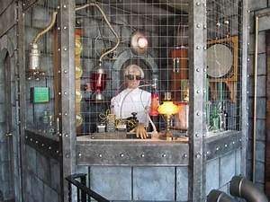 evil scientist mad laboratory Love how it's behind a cage ...
