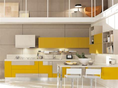 cuisine gris jaune ophrey com cuisine moderne jaune et gris prélèvement d