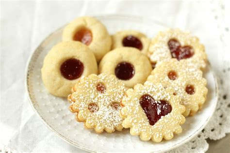Popular throughout austria, germany, the czech republic, poland, slovakia and hungary, these as already mentioned, these are shortbread cookies and though you'll find some recipes that call for. Traditional Austrian Linzer Cookies & Jam Thumbprints