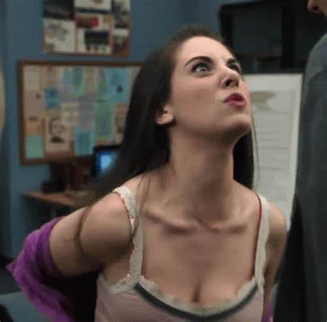Alison Brie GIF - Find & Share on GIPHY