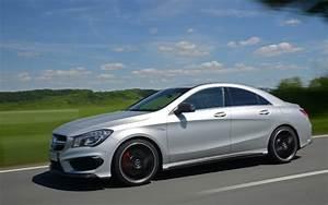 Mercedes Classe Cla Amg : mercedes benz cla 45 amg 2014 haute performance pour la classe ouvri re mercedes benz classe ~ Medecine-chirurgie-esthetiques.com Avis de Voitures
