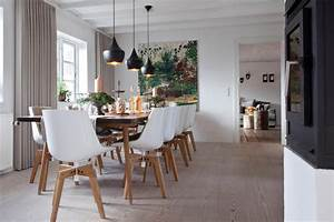 moderne tafel im esszimmer roomidocom With balkon teppich mit tapeten für esszimmer