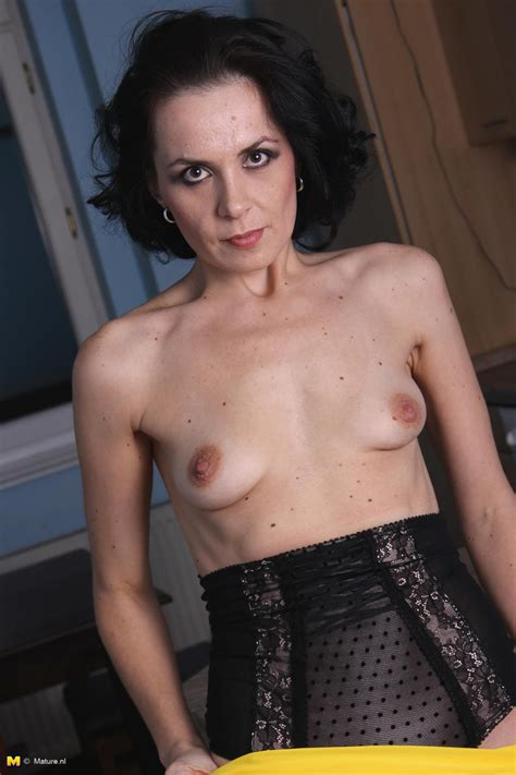Skinny Milf Wants To Dominate You Pichunter