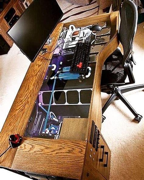 bureau pc intégré idée original bureau avec un pc intégré dans le meuble