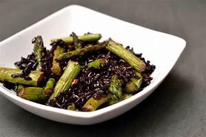 Schwarzer Reis Rezept : schwarzer reis mit gr nem spargel herbs chocolate ~ Frokenaadalensverden.com Haus und Dekorationen