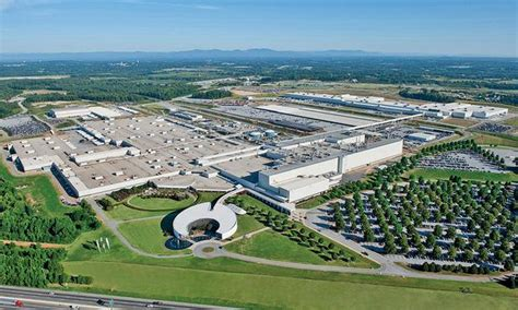 largest bmw plant  expand  year