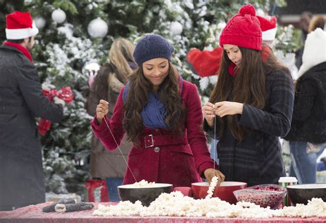 25 Days Of Christmas Episodes Christmas Through Your Eyes (the Vampire Diaries)  Pop Culture Spin