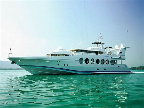 Fast Cruising Boats by M Y Arraya Is A Fast Cruising 40 3 Meters