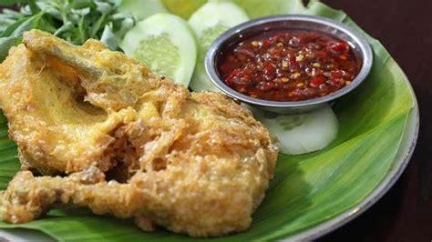 Omelet juga bisa dibuat sambil menunggu bahan kulit siapkan saus dagingnya. Resep Masakan Indonesia: Resep Ayam Goreng Balut Telur