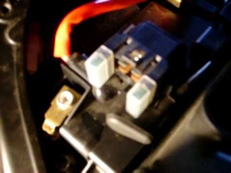 2009 R1 Fuse Box Location by How To Remove Battery 2009 Yamaha Fz6