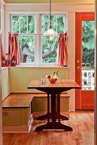Splendid-Corner-Breakfast-Nook-Table-Decorating-Ideas
