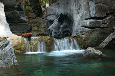provincial parks zeballos artlish caves