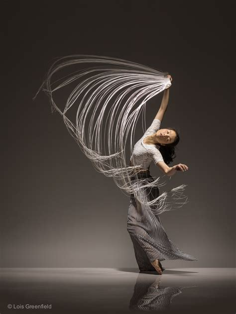 lois greenfield moving  exhibit lois greenfield
