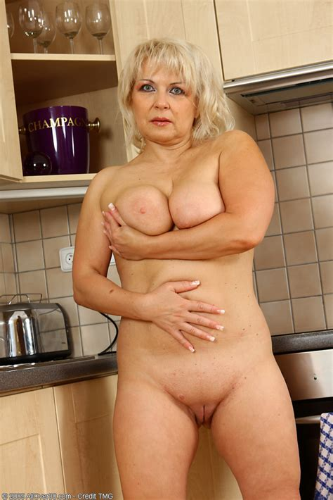 Sexy 50 Year Old Czech Granny Shows Off Her Kitchen Skills