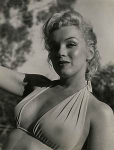 Marilyn Monroe Sexy B&W 7X5 Photo | CollectionCards ...