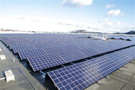 logiciel siege systèmes photovoltaïques sur des toits de grande surface