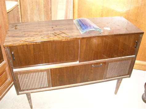 commode chambre fille prochainement a relooker meuble bar radio vintage