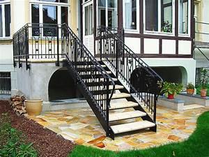 balkon mit treppe in den garten das beste aus wohndesign With feuerstelle garten mit treppe für balkon