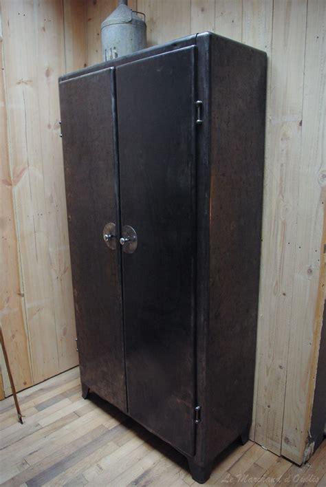 armoire industrielle par le marchand d oublis