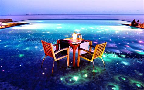 tropical  floating dinner apriltuesday