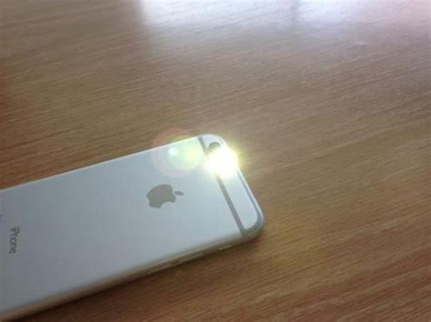 iphone led flash led flash alerts on your iphone whatsupgeek