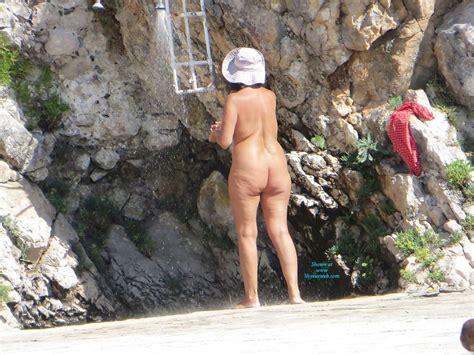 Croatian Beach Milf Taking Shower September 2013