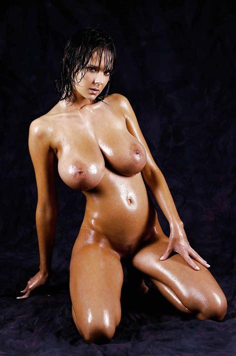 Oiled Busty Tanned Brunette Babe Karin Spolnikova
