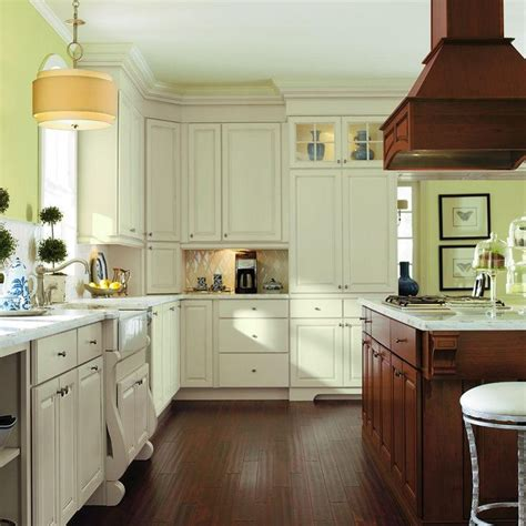 Thomasville Kitchen Cabinets At Home Depot by Best 25 Thomasville Kitchen Cabinets Ideas On