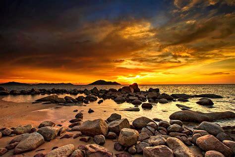 Bingkai Alam Pantai Kura-Kura By Adhie Rumbee - Business ...