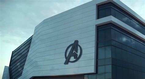porsche atlanta avengers peter parker set to visit avengers hq in 39 spider man